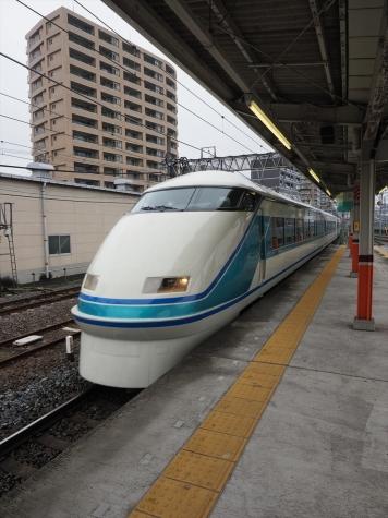 東武鉄道 100系 スペーシア 特急 きぬ111号【春日部駅】