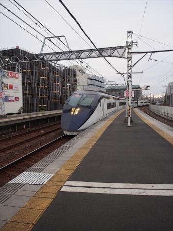 京成電鉄 スカイライナー AE形 電車【千住大橋駅】