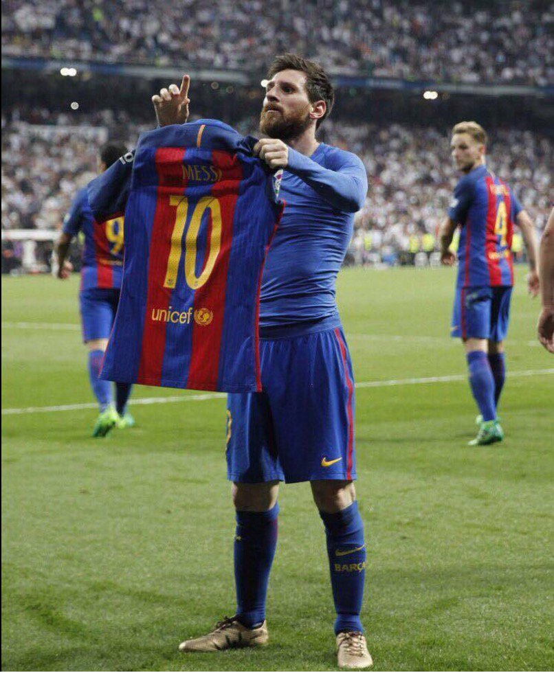 Messi sends Barcelona top of La Liga with last kick of the game in stunning finish to El Clasico