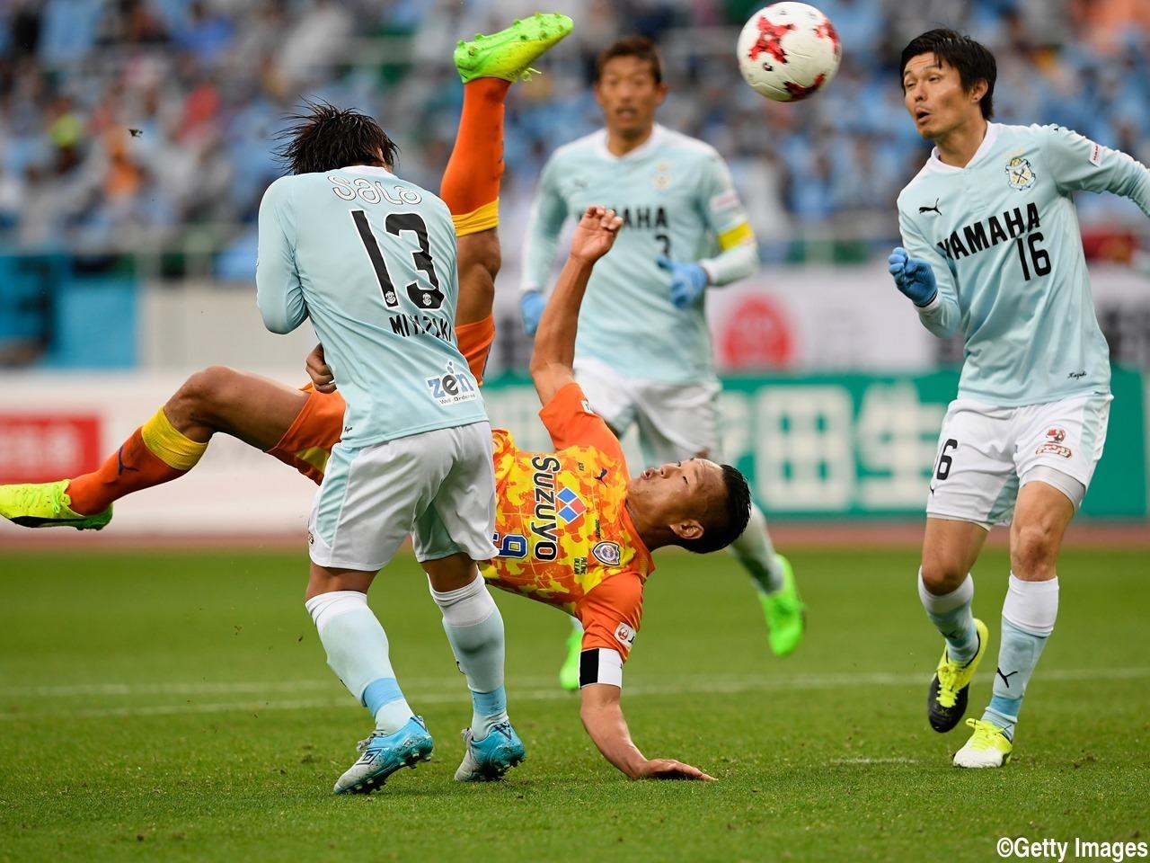 jong_taese_bicycle_kick_vs_jubilo_iwata.jpg