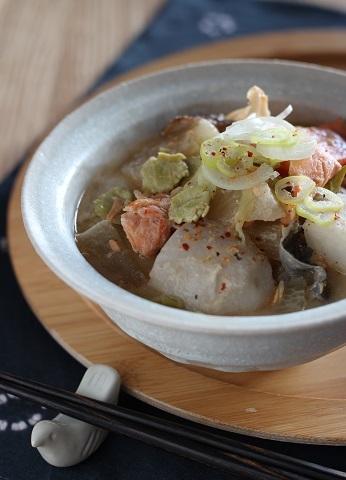 鮭とうち豆の粕汁