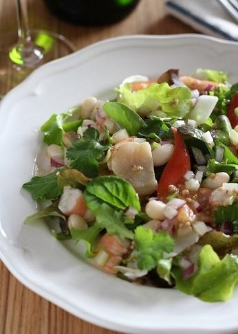 シーフードと手亡豆のサラダ1
