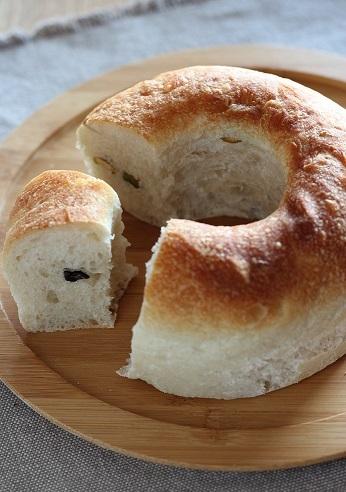 オリーブナッツパン