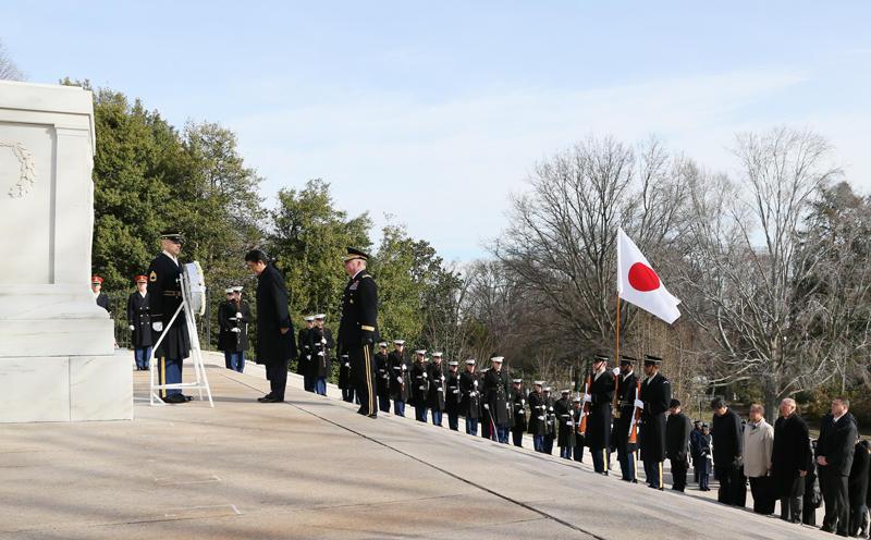 安倍総理 アーリントン国立墓地 2