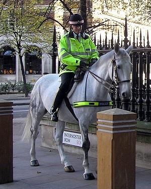 ロンドン市警の騎馬警官