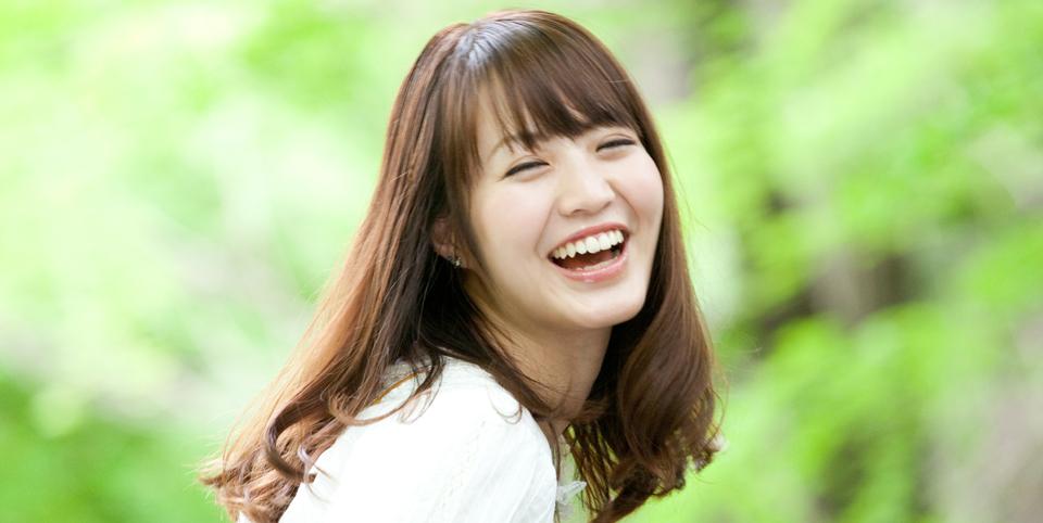 女性 笑う 1