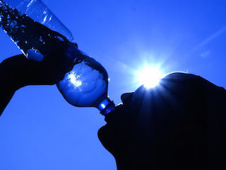 Drinking-water-hot-sun.jpg