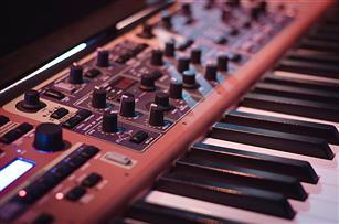 作曲でボーカルの変わりに「打ち込み楽器」を入れるとするなら