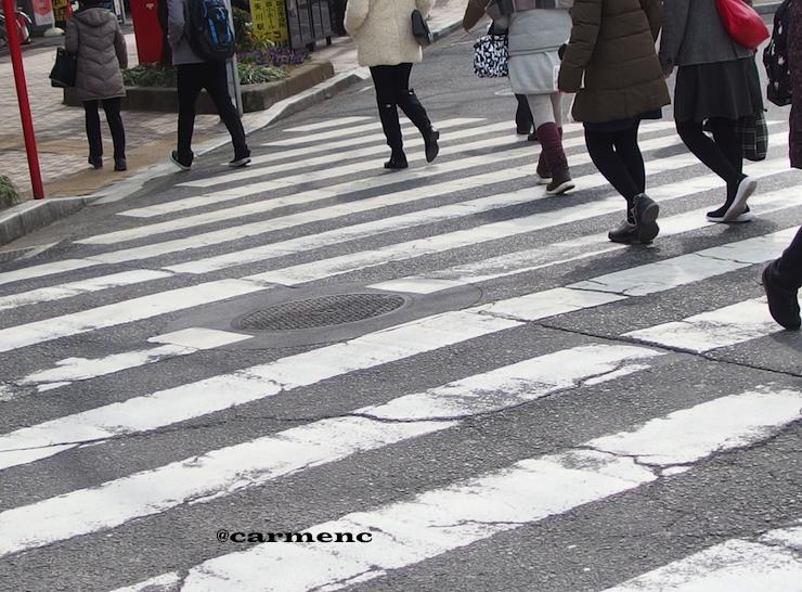 春間近横断歩道