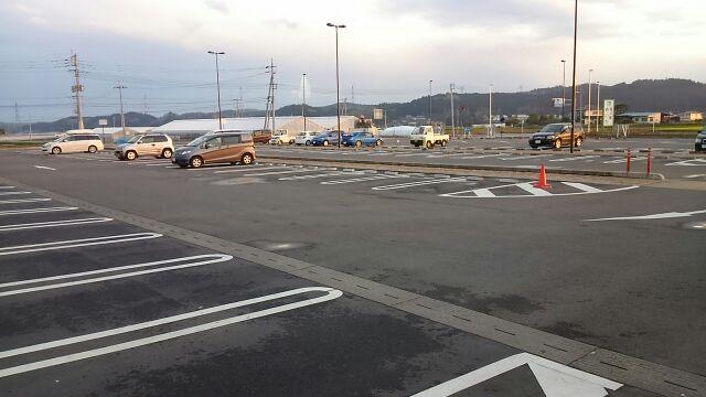 道の駅やいた駐車場