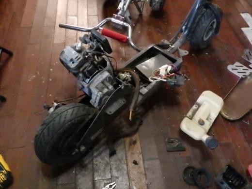 エンジン付きキックボード分解 (27)