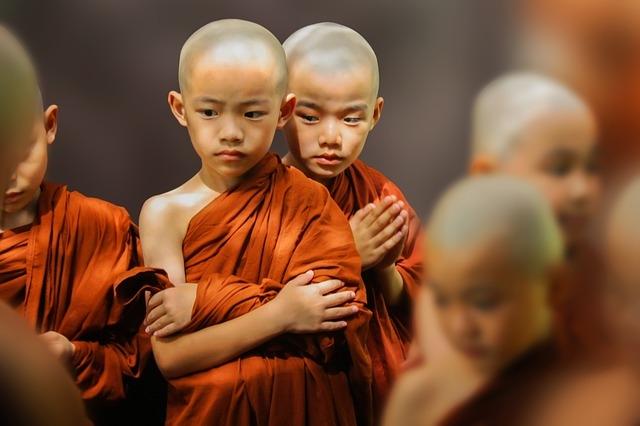 theravada-buddhism-1802873_640.jpg