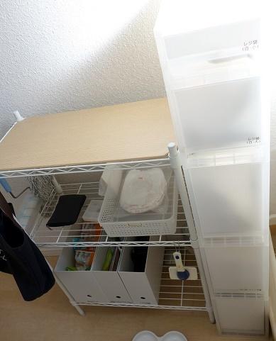 納戸・猫トイレ用品収納①