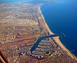 250px-Marina_Del_Rey_Looking_South.jpg