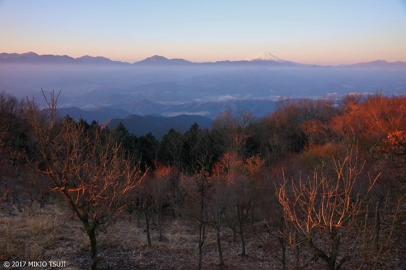 絶景探しの旅 - 0142 奥高尾縦走路から富士山を臨む (東京都 八王子市)