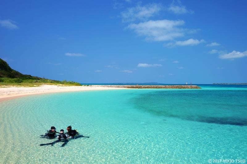 絶景探しの旅 - 0189 素敵がいっぱいの小さな青いビーチ (来間港ビーチ/沖縄県 宮古島市 来間島)